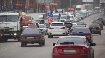 Перекрытие путепровода на 9 Января в Воронеже спровоцировало пробку в 4 км