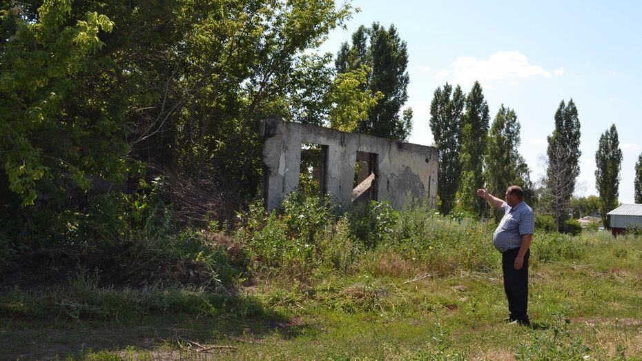 Заброшенный молочный завод снесли в лискинском поселке Давыдовка