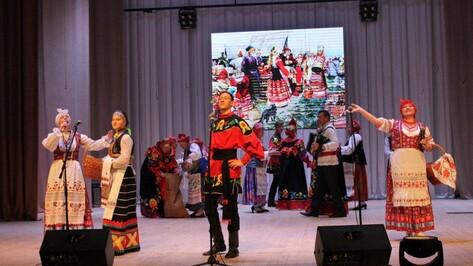 В Павловске прошел районный фестиваль фольклора и ремесел