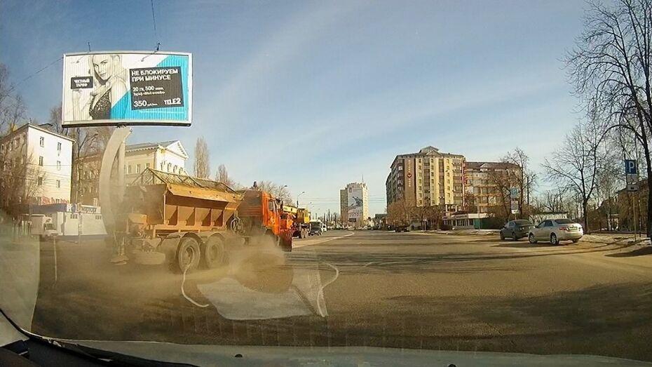 Воронежцы пожаловались на пыльную уборку улиц