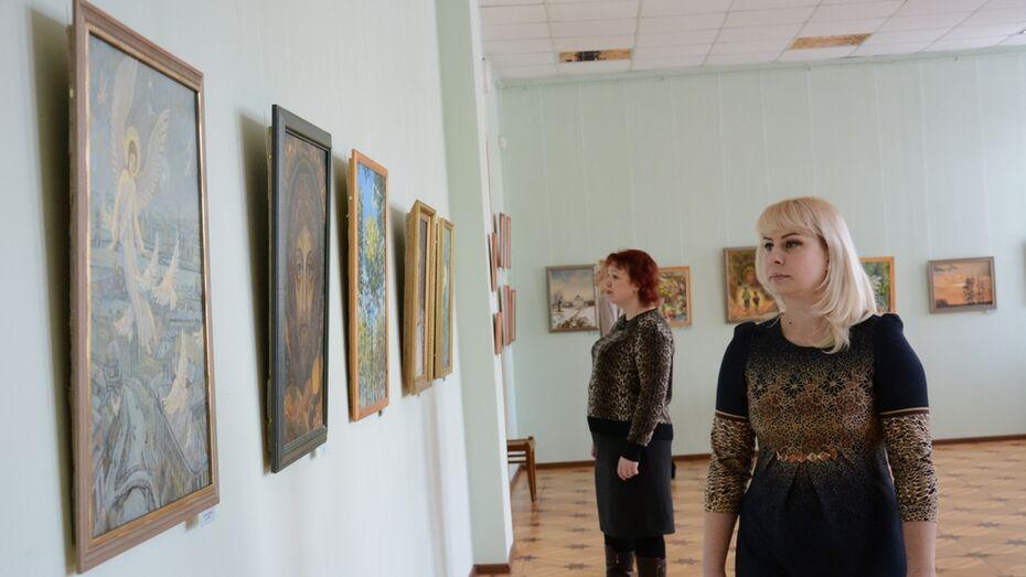 В Острогожском музее открылась выставка лискинского художника