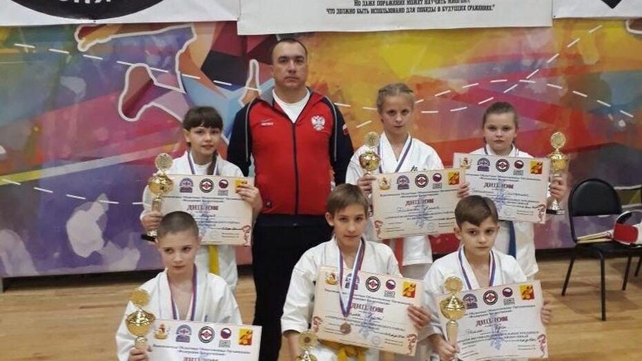 Поворинские каратисты выиграли 3 «золота» на межрегиональном турнире