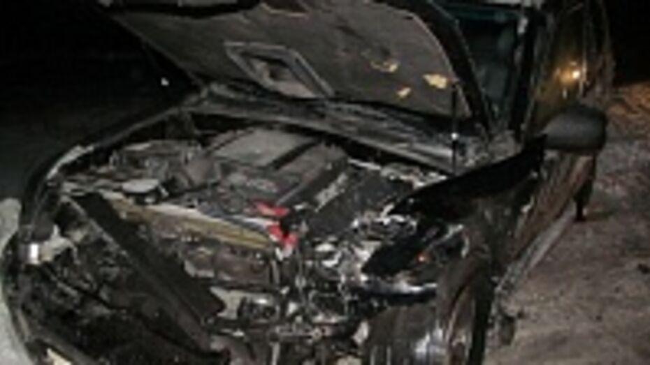В ДТП в воронежском микрорайоне Шилово один человек погиб, трое получили ранения