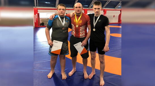 Семилукские борцы выиграли 2 «золота» турнира по грэпплингу