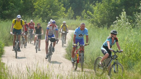 Велосипедисты из Урюпинска заехали в Рамонь по пути в Тулу