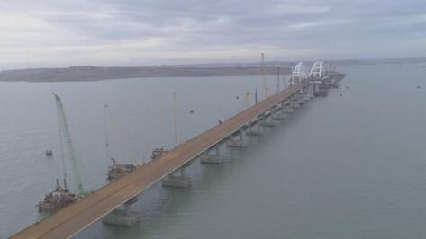 В Крыму установили все опоры моста через Керченский пролив с воронежскими арками