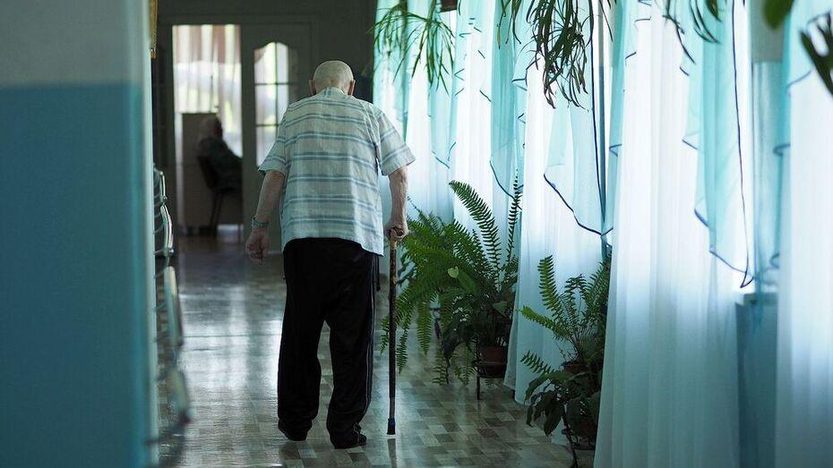 Эксперт: у пожилых COVID-19 вызывает необратимые поражения легких