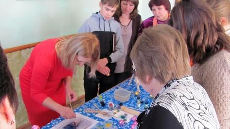 Аннинский педагог провела лучший мастер-класс на фестивале декоративно-прикладного творчества в Грибановке