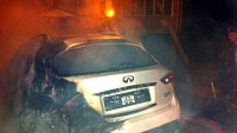 В центре Воронежа неизвестные сожгли дорогие машины марок «Инфинити» и «Ауди»