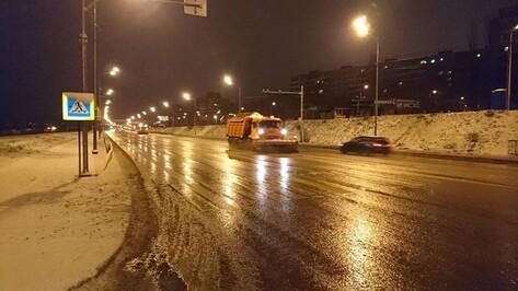 Из-за уборки снега в Воронеже ночью перекроют движение на 2 улицах