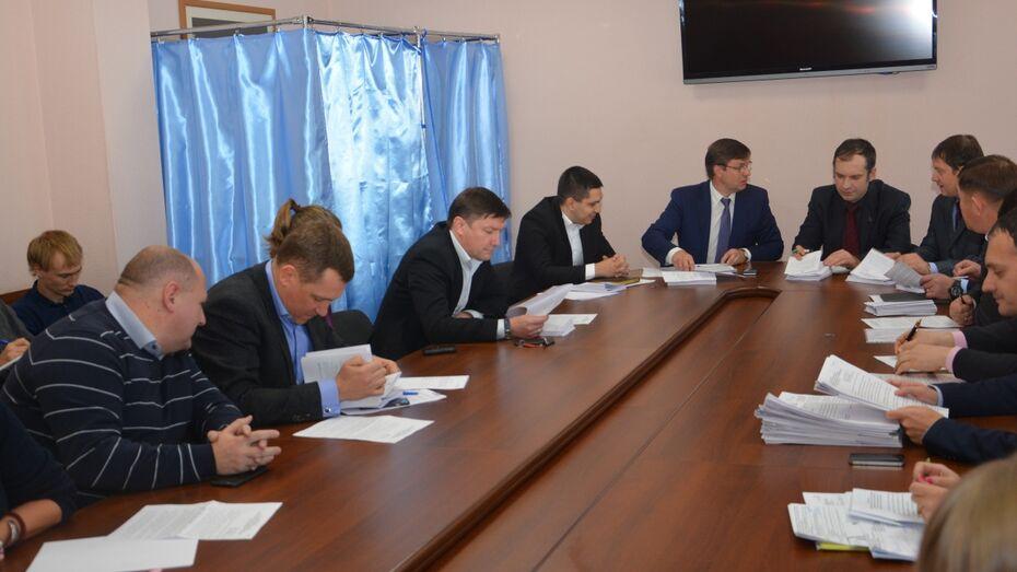 «Пациента лечить или убивать». Как депутаты поспорили об отмене выборов мэра Воронежа