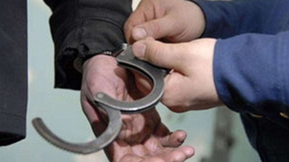 Полицейские задержали мужчину, избившего на трассе знакомого и угнавшего его автомобиль