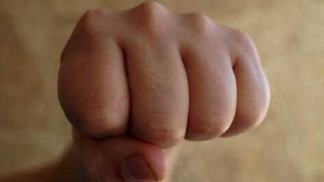 Воронежец избил жену во время застолья за пристрастие к алкоголю
