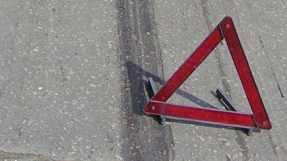 В Россоши подгоренский мотоциклист без прав врезался в автомобиль