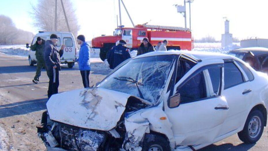 При столкновении «ВАЗов» в Воронежской области 1 человек погиб и 5 ранены