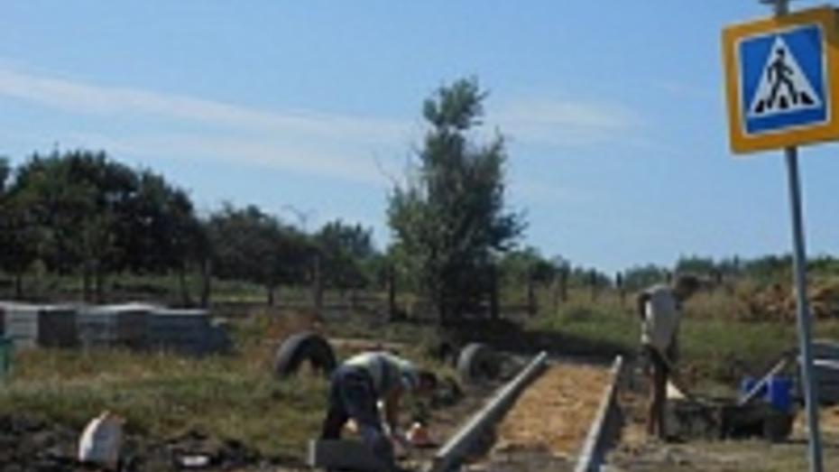В сентябре в подгоренском селе Белогорье появятся тротуары из брусчатки