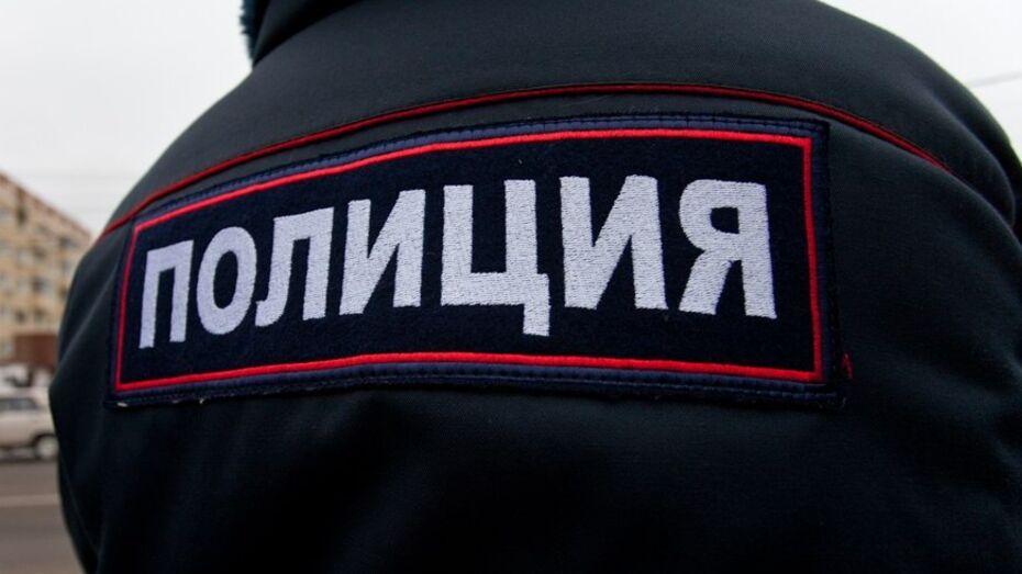Воронежский лжеполицейский устроил пьяные танцы в кафе