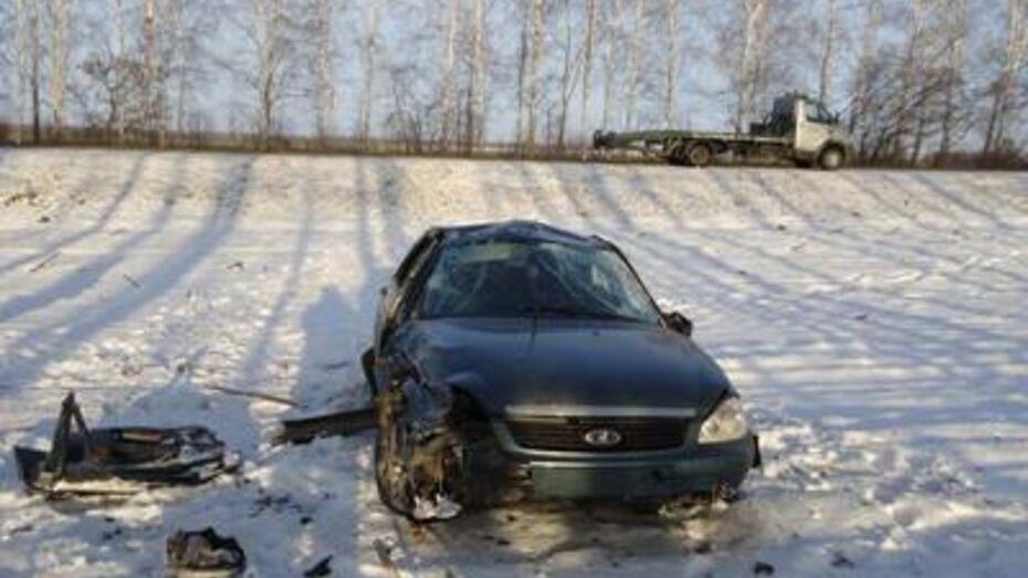 В Верхнемамонском районе в аварии погибли две женщины