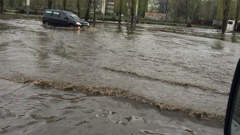 Воронежцы сообщили о 20 местах подтопления после ливня