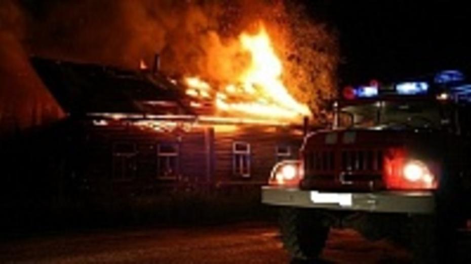 В Борисоглебске в сгоревшем доме погибли двое мужчин