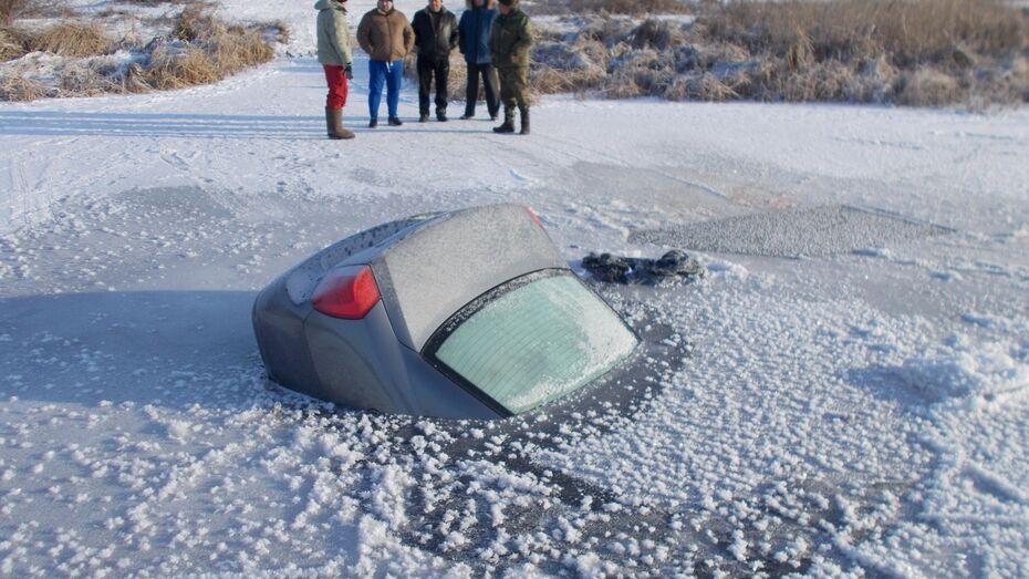 Водитель провалившейся под Воронежем машины хотел развлечь брата поездкой по льду