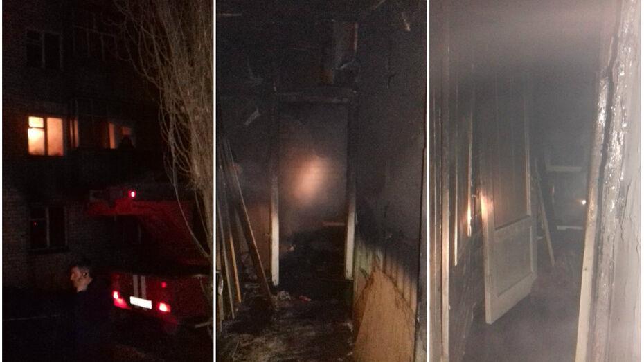 Спасатели эвакуировали более 20 человек из горящего дома в Нововоронеже