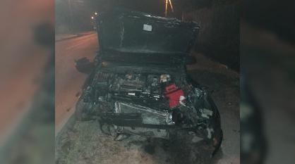 В Воронеже погиб пассажир влетевшего в ограждение дома Daewoo
