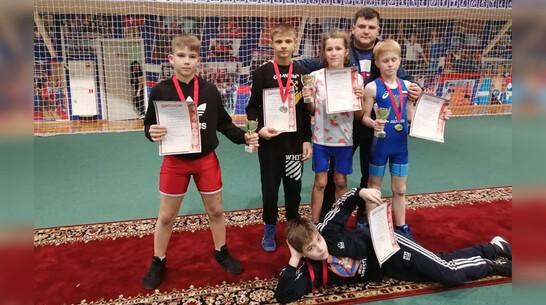 Эртильцы завоевали  3 «золота» на межрегиональном турнире по вольной борьбе