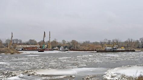 Спасатели перекрыли 3 дороги из-за развода мостов в Воронежской области
