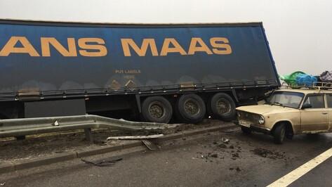 В Воронежской области при столкновении 3 машин погиб гражданин Армении