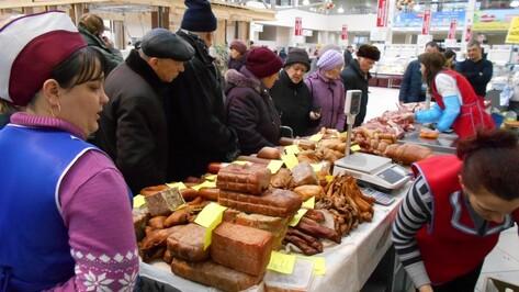 Поворинские аграрии продали свою продукцию на ярмарке в Воронеже