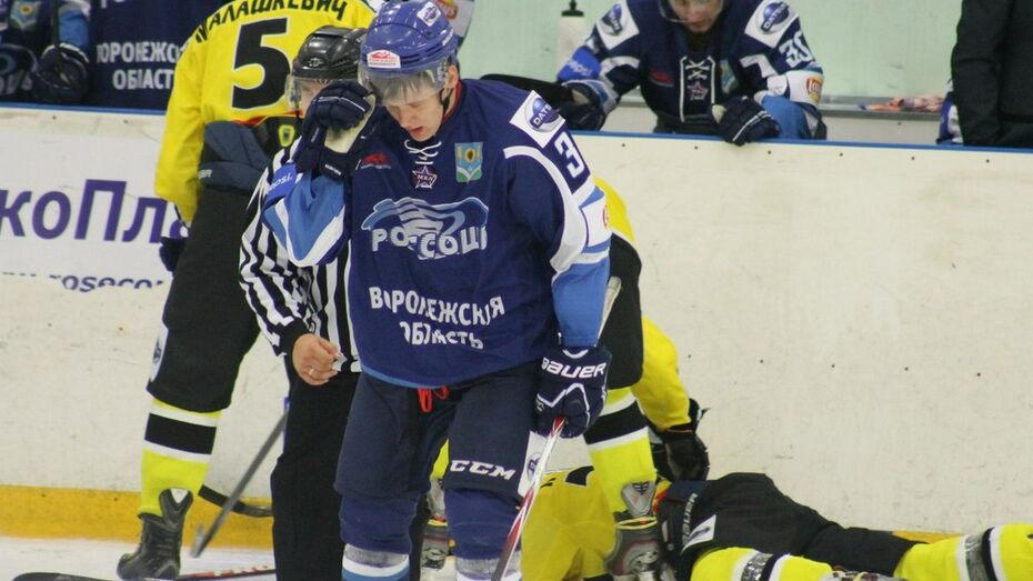 «Зеленоград» разгромил хоккеистов «Россоши»