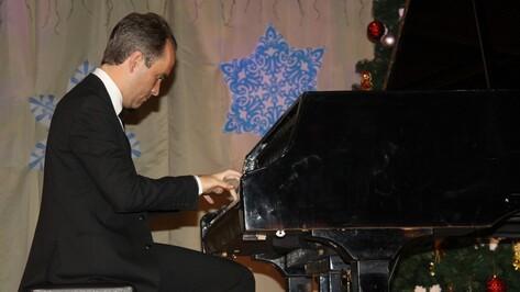 Всемирно известный бразильский пианист дал концерт в Боброве
