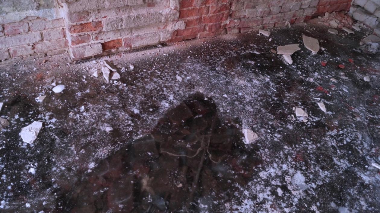 Воронежцам показали дом с ледяным полом глубиной три метра (ФОТО)