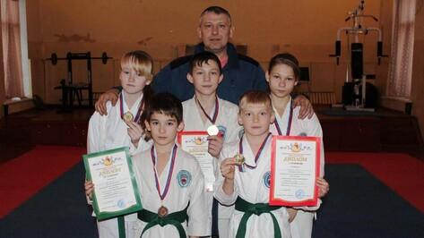 Верхнехавские каратисты завоевали 6 медалей на межрегиональном турнире