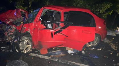 Двое детей и 5 взрослых пострадали при лобовом столкновении машин в Воронежской области