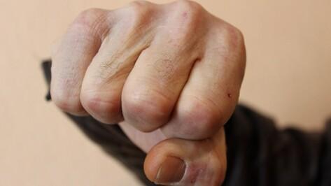 Под Воронежем двое мужчин избили битой 64-летнюю председателя ТСЖ