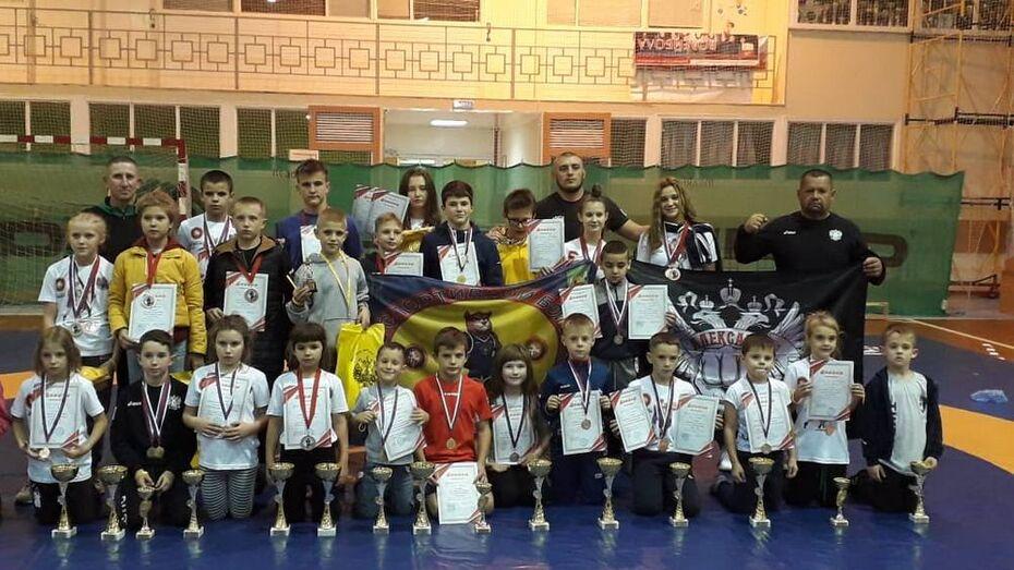 Лискинские борцы завоевали 12 золотых медалей на открытом турнире Московской области