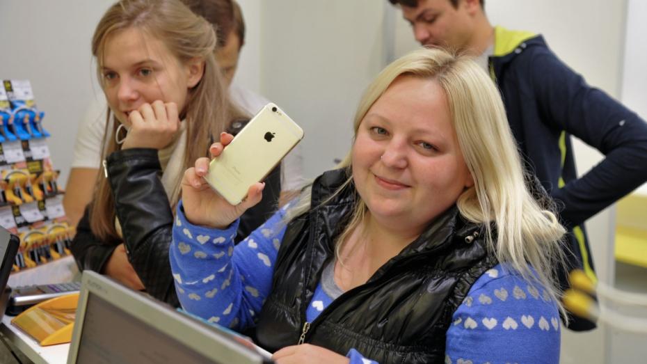 В ночь на 26 сентября за iPhone 6 пришли 6 воронежцев