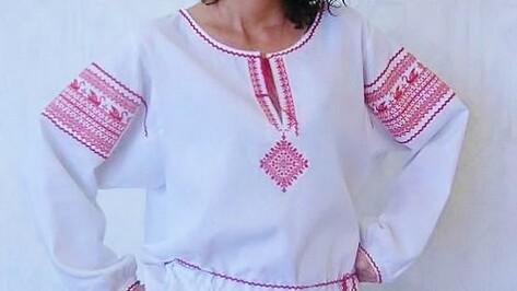 На девичьих посиделках в Воронеже научат шить обережную рубаху