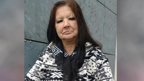 Воронежские волонтеры объявили поиск родных потерявшей память пенсионерки