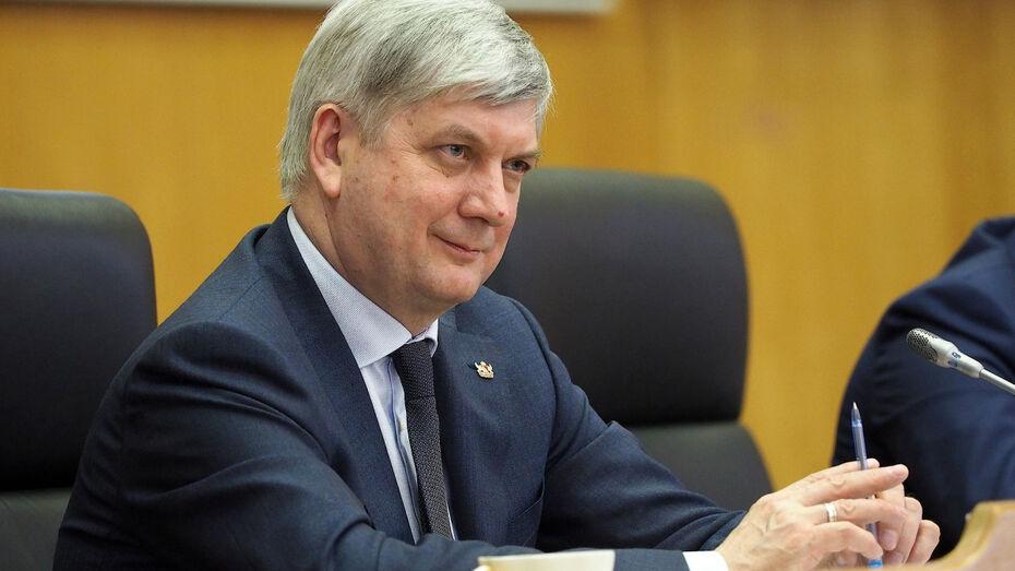 Губернатор Воронежской области поздравил медиков с праздником
