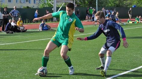 Репьевская команда закрепилась в лидерах областных соревнований по футболу