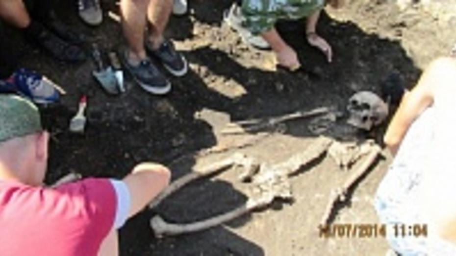 Бутурлиновские школьники откопали древнее сарматское захоронение