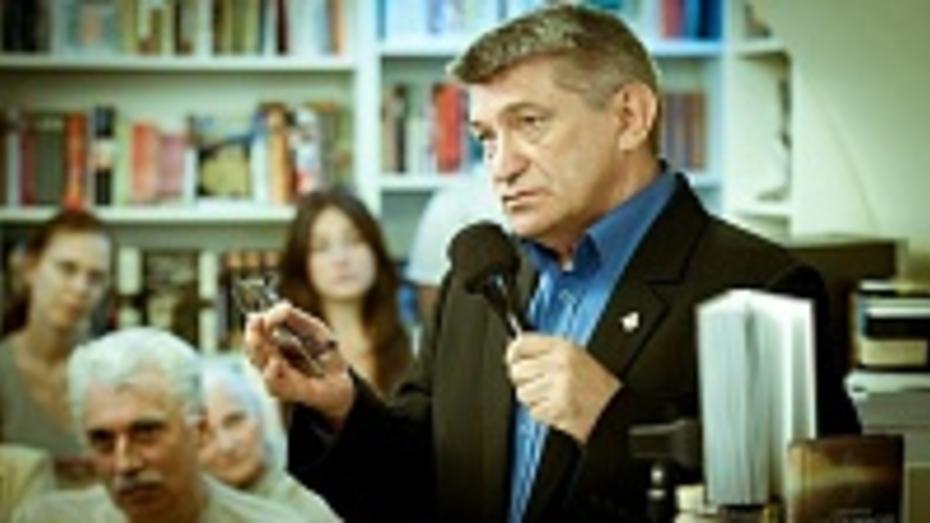 Режиссер Александр Сокуров научит воронежцев ответственности перед историей