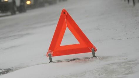 В Воронежской области столкнулись «КАМАЗ» и Opel: двое пострадали