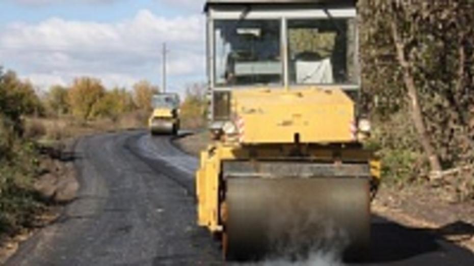 В хохольском селе проложили новую асфальтированную дорогу