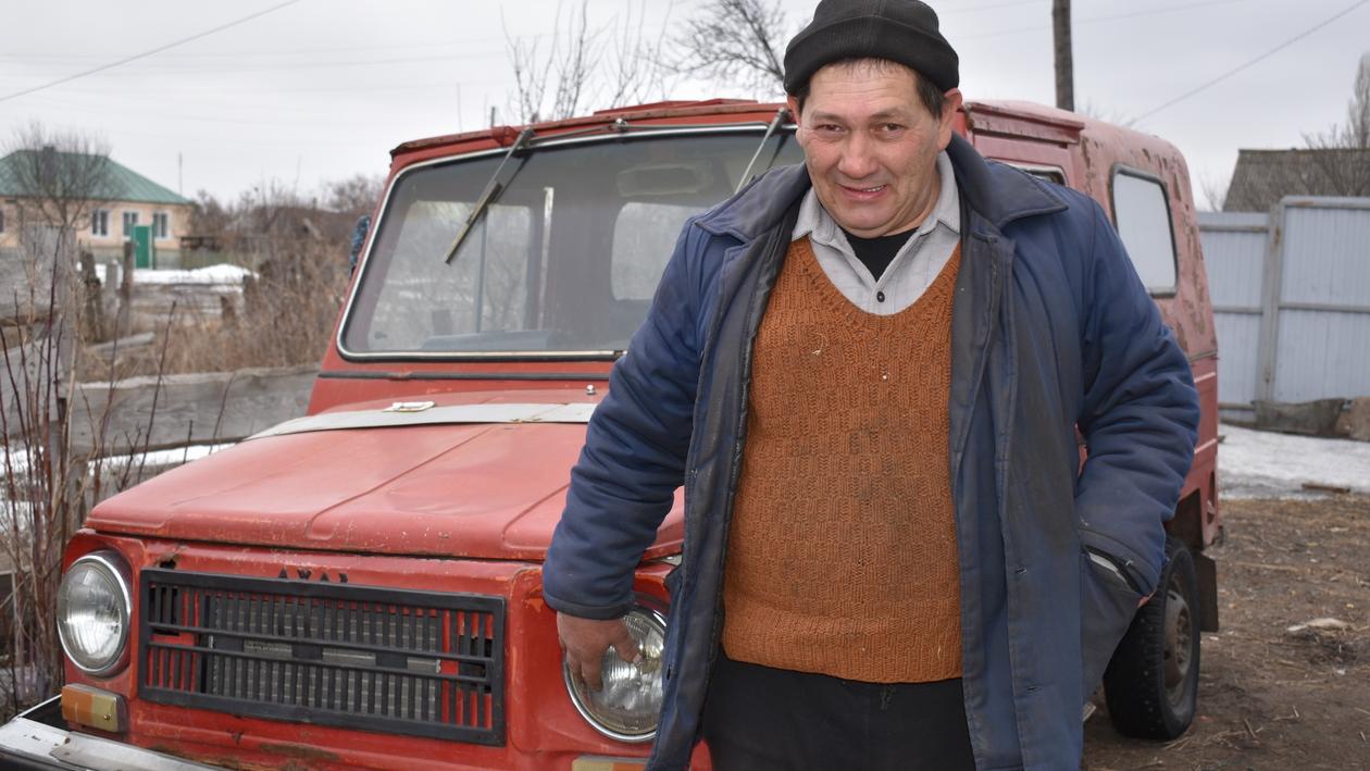Работа на ощупь, дом, 3-й ребенок. Как ослепший тракторист начал новую жизнь под Воронежем