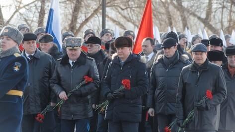 Врио губернатора Воронежской области возложил цветы к могиле Неизвестного солдата
