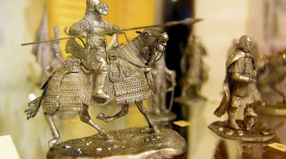 На вес золота. В Воронеж привезли уникальную коллекцию царских игрушек